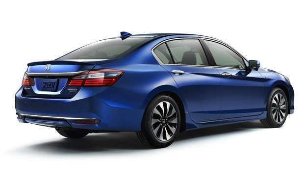 2017-honda-accord-hybrid-reviews