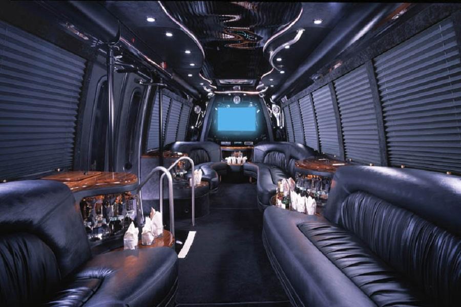 party-bus-toronto-1